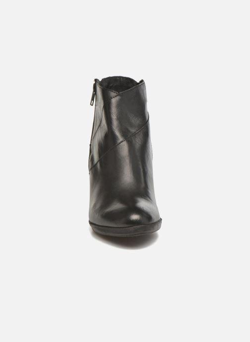 Bottines et boots Khrio Eva Noir vue portées chaussures
