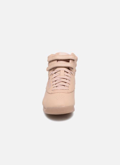 Baskets Reebok F/S Hi Beige vue portées chaussures