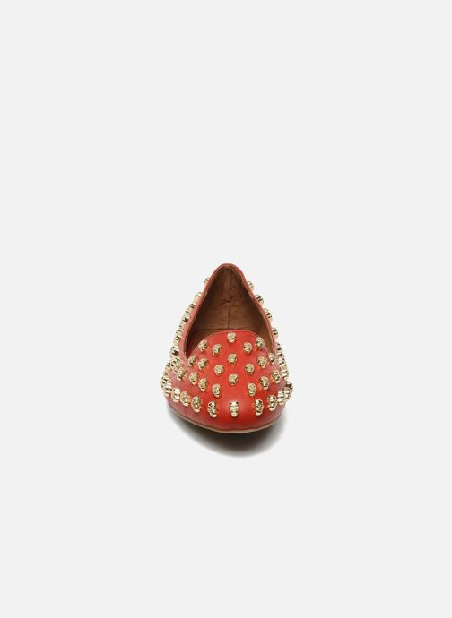 Mocassins Jeffrey Campbell Skulltini Rouge vue portées chaussures
