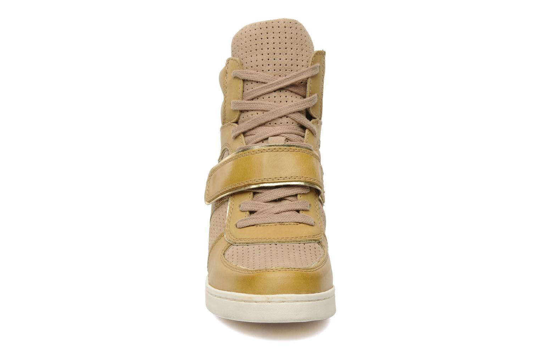 Baskets Ash Coca Beige vue portées chaussures