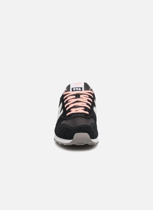 Sneaker New Balance WR996 schwarz schuhe getragen
