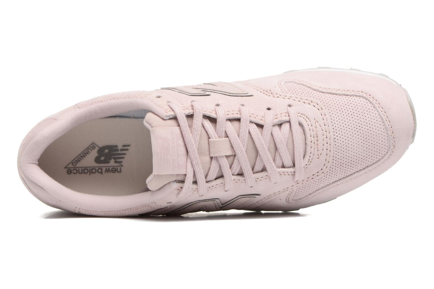 Trainers New Balance WR996 Pink view from the left