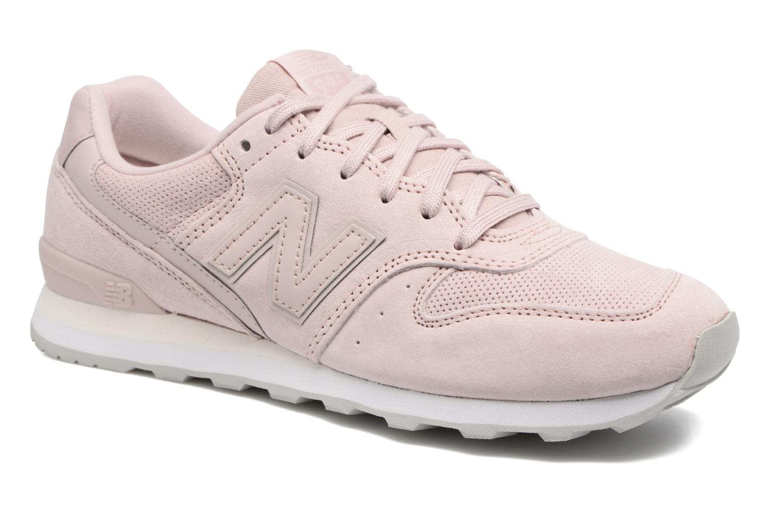 Trainers New Balance WR996 Pink detailed view/ Pair view