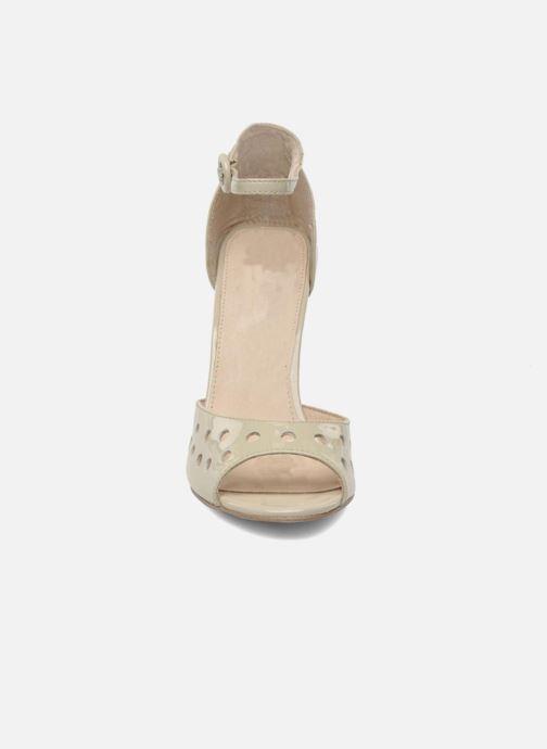 Sandalen Mellow Yellow Nadege beige schuhe getragen