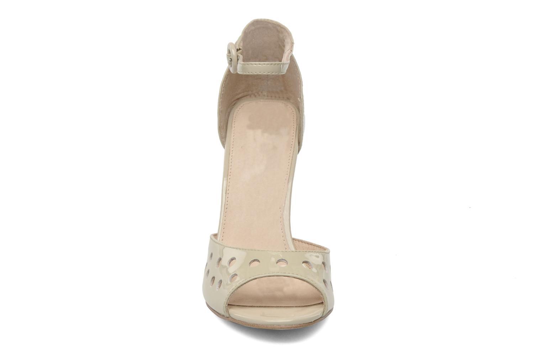 Sandales et nu-pieds Mellow Yellow Nadege Beige vue portées chaussures