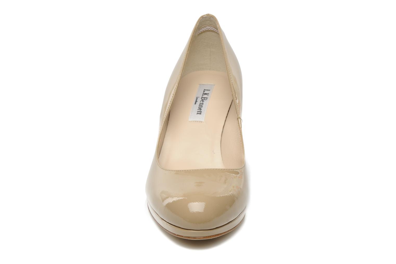 Escarpins L.K. Bennett Sybila Beige vue portées chaussures