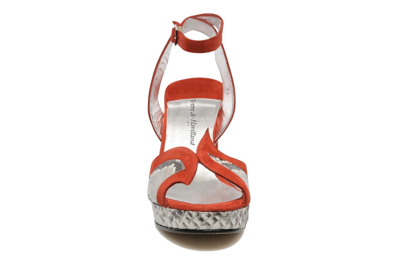 Sandales et nu-pieds Terry de Havilland SIMA 4 TIER Rouge vue portées chaussures