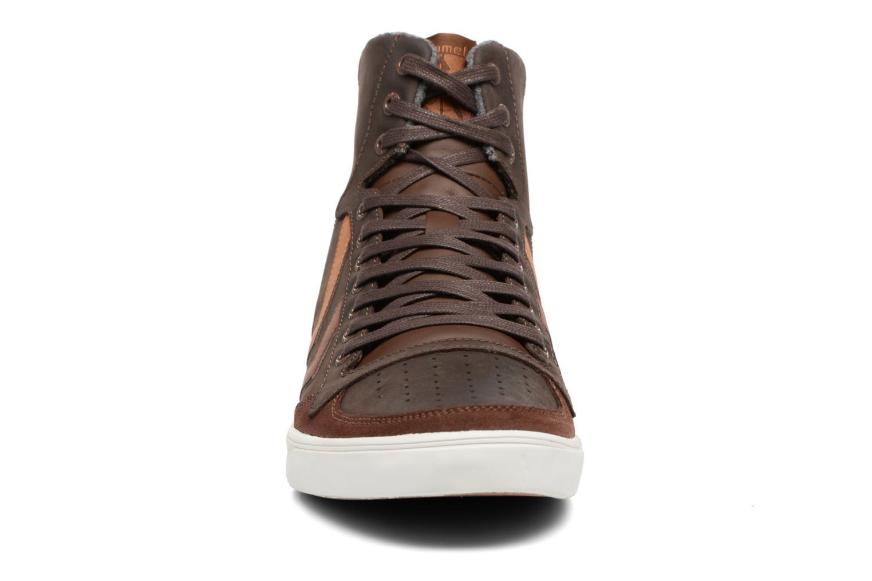 Baskets Hummel Slimmer Stadil Oiled High Marron vue portées chaussures