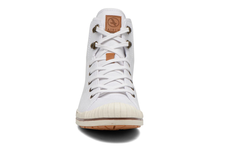 Chaussures à lacets Aigle Kitangiri Mid W Blanc vue portées chaussures