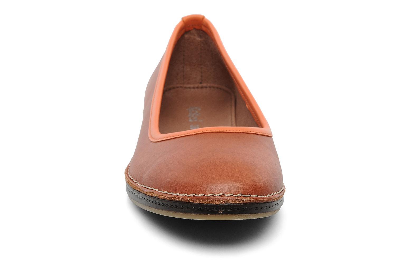 Ballerines Kickers Bird Orange vue portées chaussures