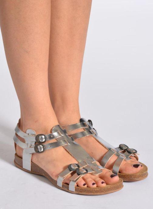 Sandales et nu-pieds Kickers Ana Marron vue bas / vue portée sac