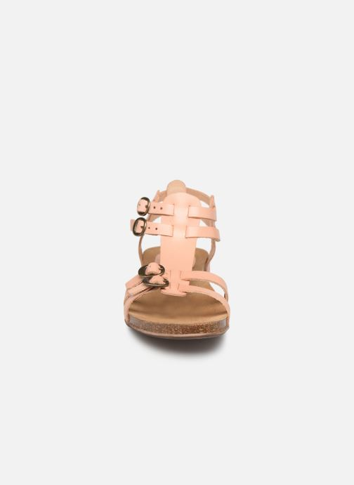 Sandales et nu-pieds Kickers Ana Rose vue portées chaussures