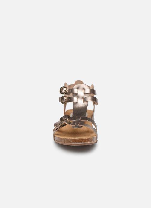 Sandales et nu-pieds Kickers Ana Or et bronze vue portées chaussures