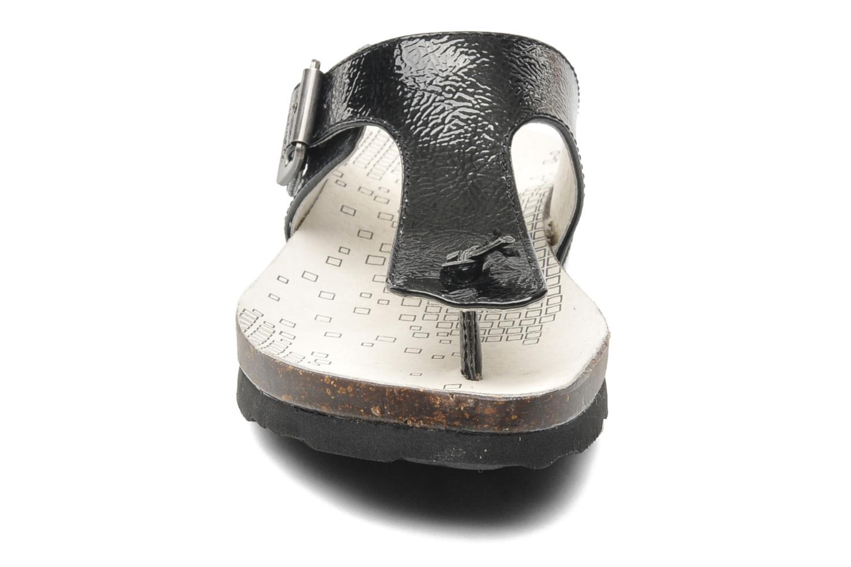 Tongs Kickers DITIK Noir vue portées chaussures