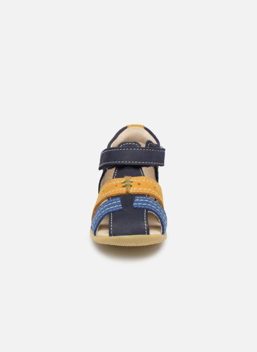 Sandalias Kickers BIGBAZAR Azul vista del modelo