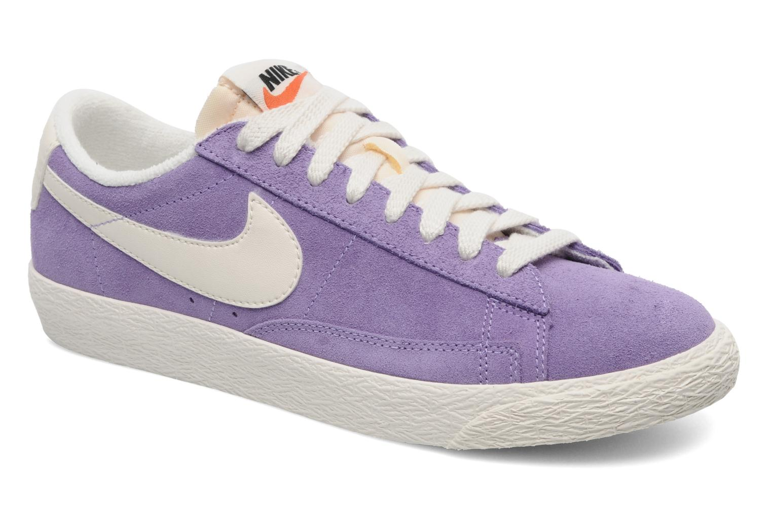 Trainers Nike Wmns Blazer Low Suede Vintage Purple detailed view/ Pair view