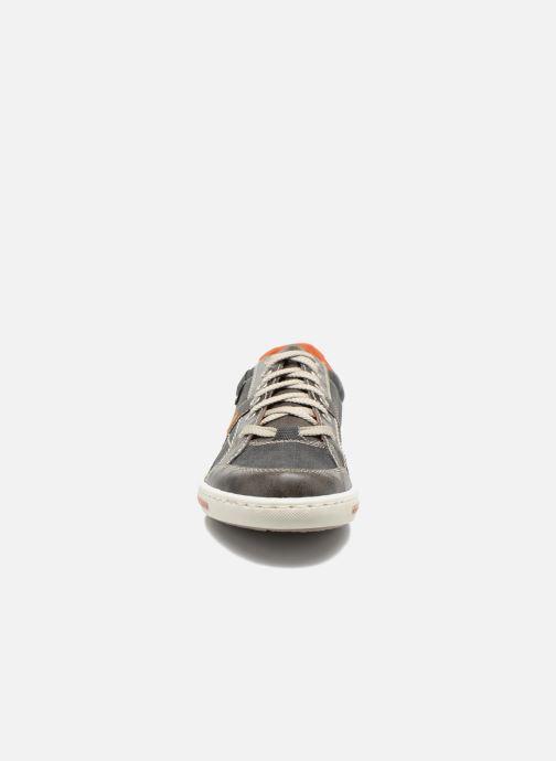 Baskets Rieker Sid 19013 Gris vue portées chaussures