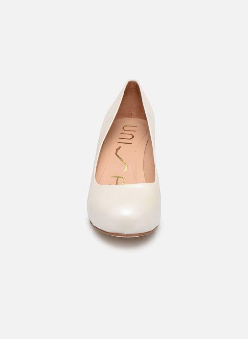 Escarpins Unisa Numis Blanc vue portées chaussures