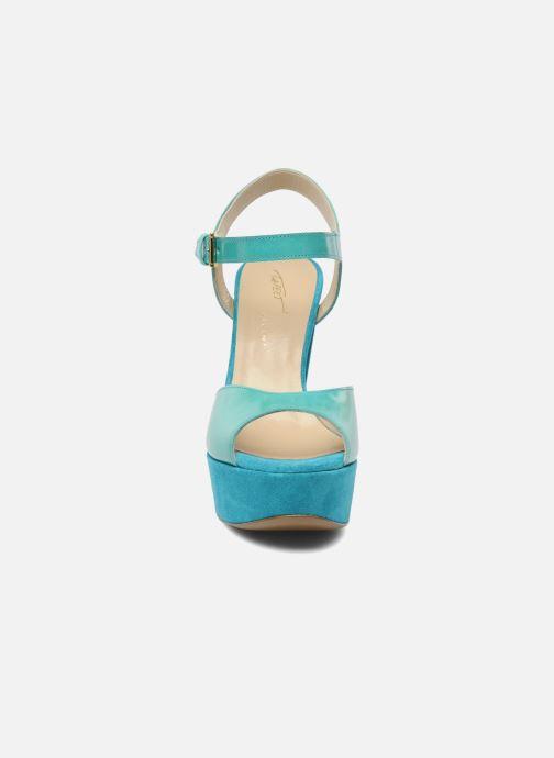 Sandales et nu-pieds Tapeet Tunea Vert vue portées chaussures