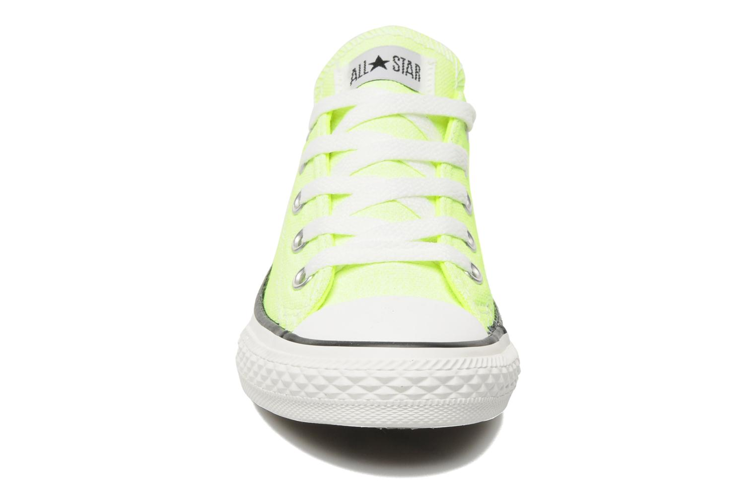 Baskets Converse Chuck Taylor All Star Neon Washed Ox K Jaune vue portées chaussures