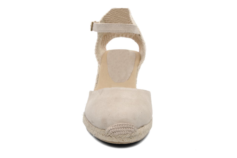 Sandales et nu-pieds Elizabeth Stuart Volga 630 Beige vue portées chaussures
