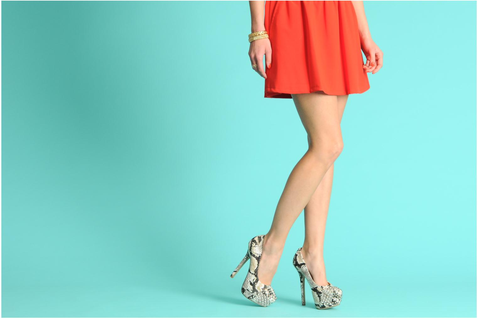 High heels Steve Madden BOLDDD Beige view from underneath / model view