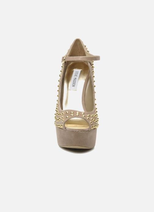 High heels Steve Madden GAMMBLEE Beige model view