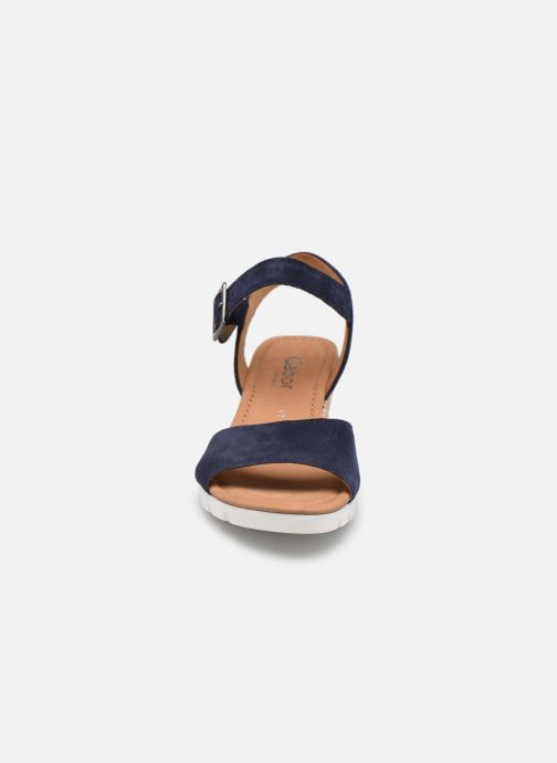 Sandali e scarpe aperte Gabor MILANO Azzurro modello indossato