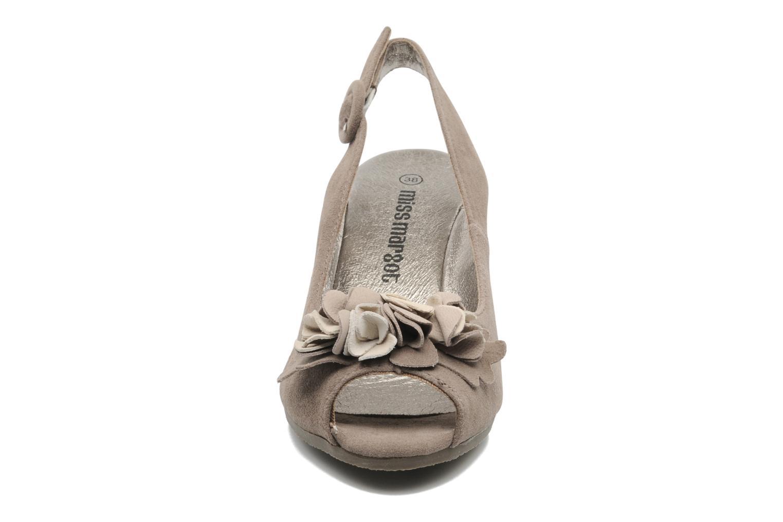 Sandales et nu-pieds Rosemetal Rony Marron vue portées chaussures