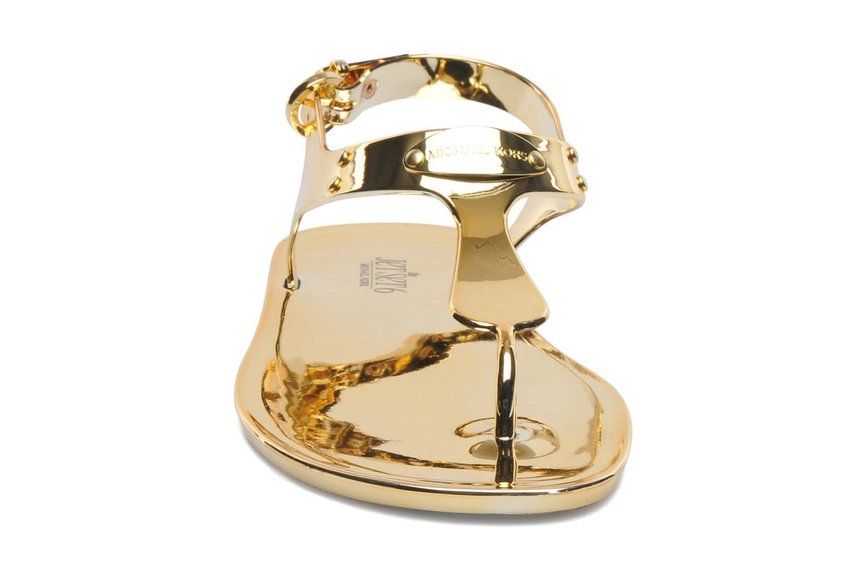 Sandales et nu-pieds Michael Michael Kors MK Plate Jelly Or et bronze vue portées chaussures