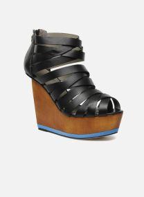 Sandals Women NESIVE