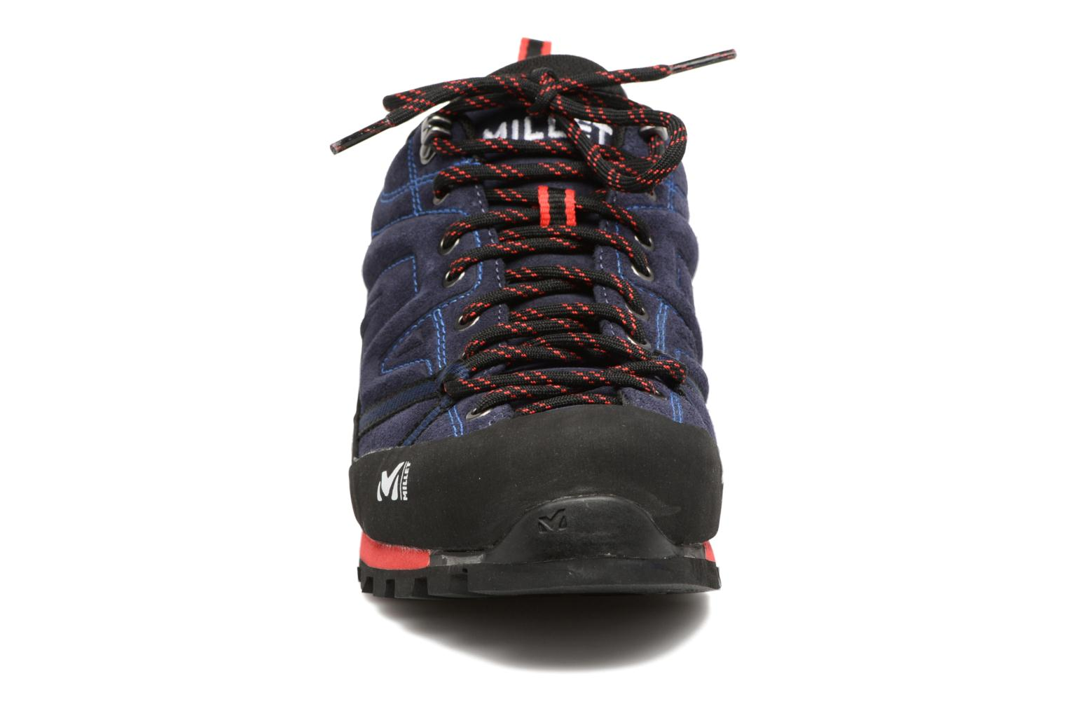 Sport shoes Millet Trident Guide Black model view