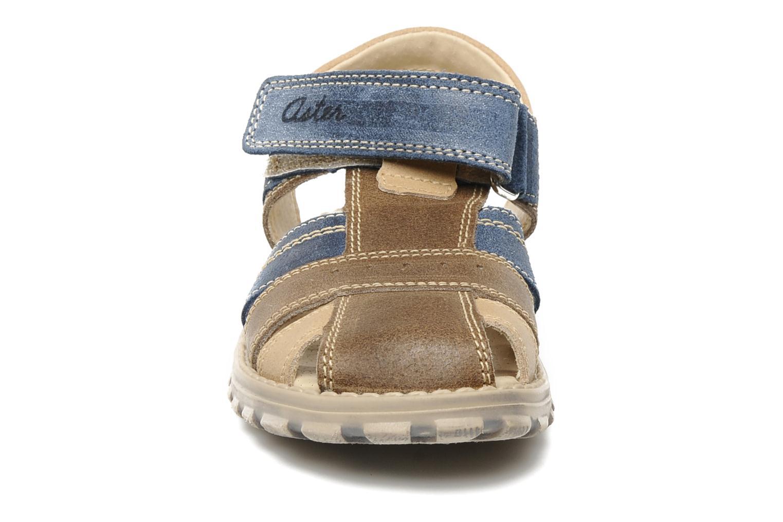 Sandales et nu-pieds Aster AVIATOR Marron vue portées chaussures