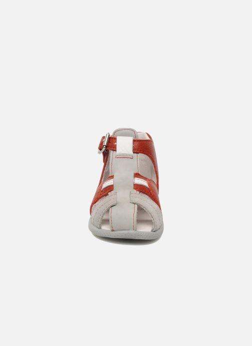 Sandalen Babybotte Gilou rot schuhe getragen