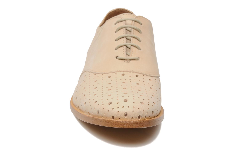 Chaussures à lacets Opening Ceremony M2 Jim Beige vue portées chaussures