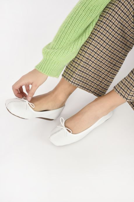 Ballet pumps Clarks Unstructured Freckle Ice White view from underneath / model view