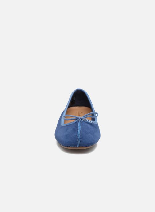 Bailarinas Clarks Unstructured Freckle Ice Azul vista del modelo