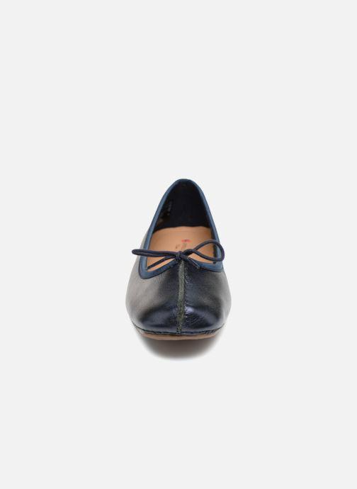 Ballerines Clarks Unstructured Freckle Ice Bleu vue portées chaussures