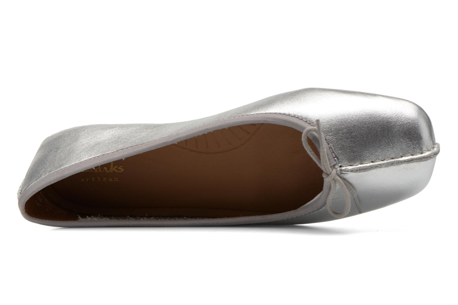 Ballet pumps Clarks Unstructured Freckle Ice Silver view from the left