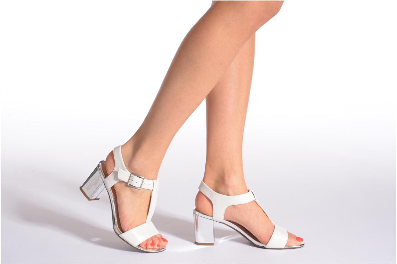 Sandales et nu-pieds Clarks Smart Deva Marron vue bas / vue portée sac