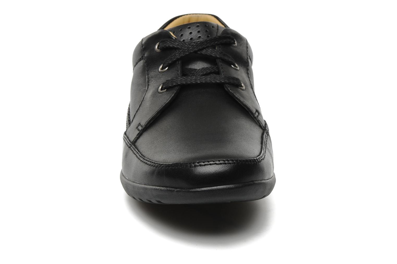 Schnürschuhe Clarks Recline Out schwarz schuhe getragen