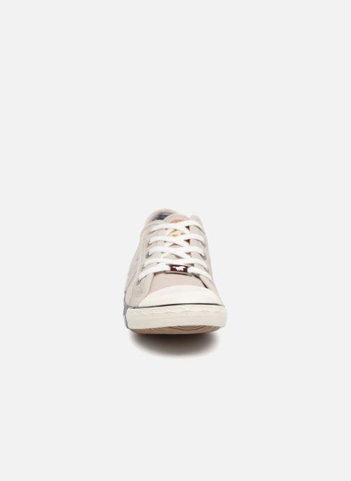 Baskets Mustang shoes Flaki Beige vue portées chaussures
