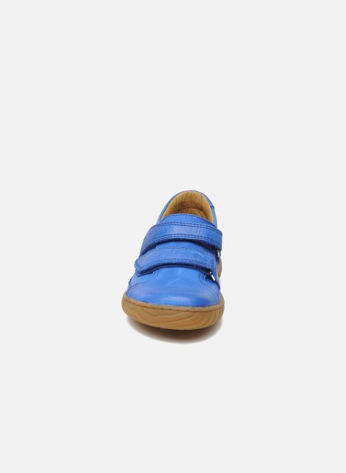 Baskets Pom d Api Woody Bi Velcro Bleu vue portées chaussures