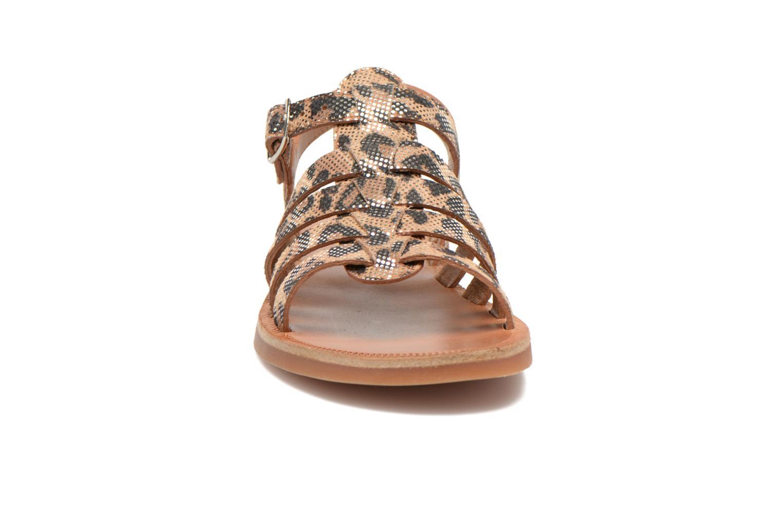 Sandales et nu-pieds Pom d Api Plagette Strap Beige vue portées chaussures