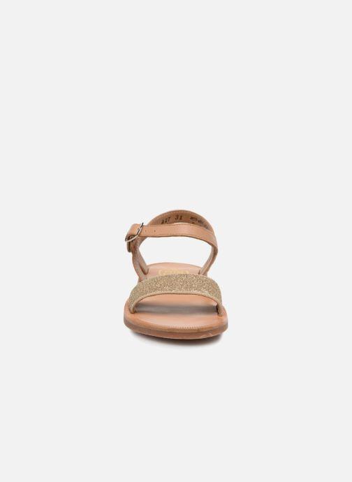 Sandales et nu-pieds Pom d Api Plagette Buckle Tao Marron vue portées chaussures