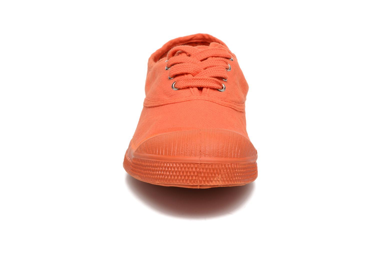 Sneakers Bensimon Tennis Colorsole E Arancione modello indossato