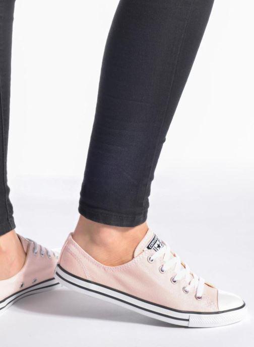 Sneaker Converse All Star Dainty Canvas Ox W weiß ansicht von unten / tasche getragen