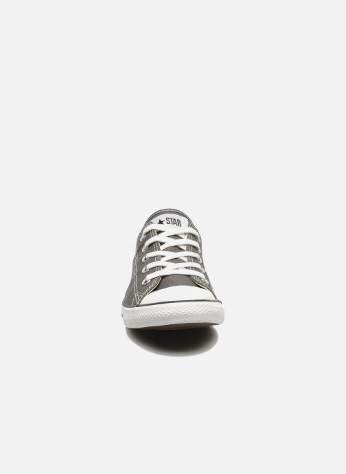 Sneakers Converse All Star Dainty Canvas Ox W Grigio modello indossato