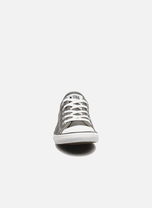 Baskets Converse All Star Dainty Canvas Ox W Gris vue portées chaussures