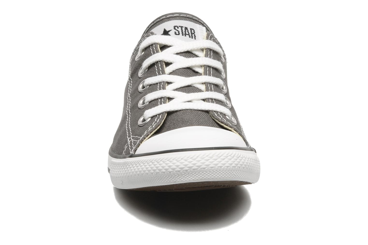Baskets Converse All Star Dainty Canvas Ox W Gris vue portées chaussures